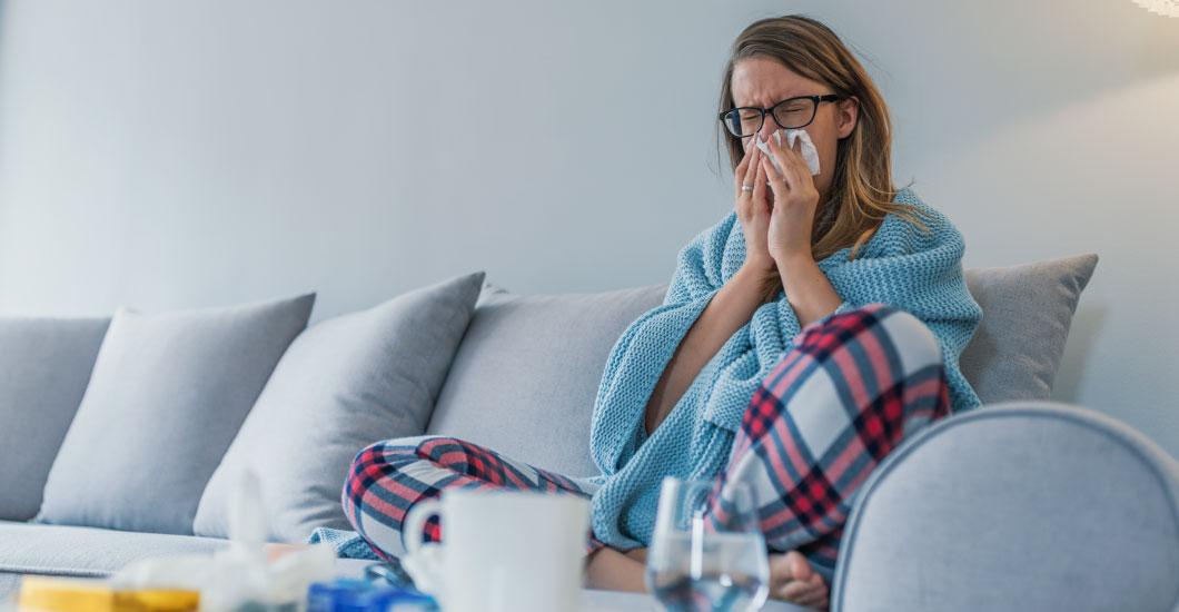 ¿El COVID-19 es un resfriado, gripa o alergia?